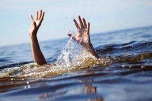 Bình Thuận: 3 học sinh chết đuối khi tắm sông