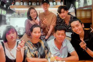 BB Trần cùng hội bạn thân tổ chức sinh nhật cho bố