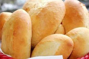 Chẳng cần thiết bị đắt tiền nào, hô biến chiếc bánh mì ỉu xìu thành giòn tan như mới ra lò nhờ cách đơn giản này