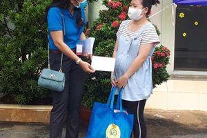 Thiết thực 'Ngày hội công nhân Tân Phú với môi trường xanh'