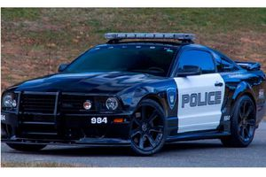 'Soi' Mustang Saleen S281 từng lăn bán trong bom tấn Transformers