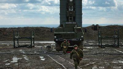 S-400 triển khai chiến đấu khi máy bay Mỹ áp sát Crimea