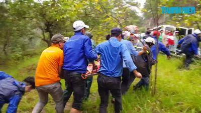 Đưa thi thể thanh niên Hàn Quốc chết khi đu dây lên khỏi thác Datanla