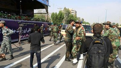 Xả súng vào buổi duyệt binh ở Iran, 24 người thiệt mạng
