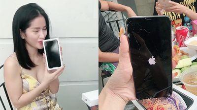 Quá hào hứng khi mở hộp iPhone Xs Max, cô nàng nhận 'trái đắng' khiến ai cũng xót xa