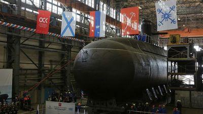 Cận cảnh tàu ngầm tàng hình 'bóng ma trên biển' Kronshtadt của Nga