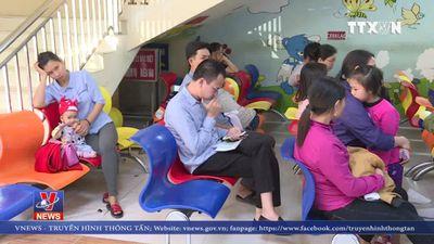 Bỏ tiêm vắc-xin, nhiều trẻ mắc sởi bị biến chứng nặng