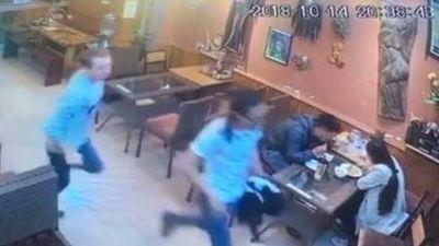 Khách nước ngoài bị tố quỵt tiền bữa tối tại nhà hàng ở Sa Pa