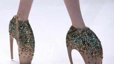 Những đôi giày kỳ quái nhất trong lịch sử làng thời trang thế giới