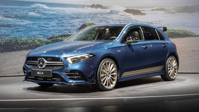 Cận cảnh hatchback hiệu suất cao Mercedes-AMG A35 2019