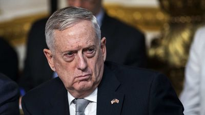 Bộ trưởng Quốc phòng Mỹ bình luận vấn đề Trung Quốc trên đường tới Việt Nam