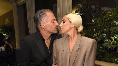 Nếu bạn chưa có người yêu thì đừng lo: Lady Gaga chuẩn bị lên xe hoa với chồng… hơn 17 tuổi!