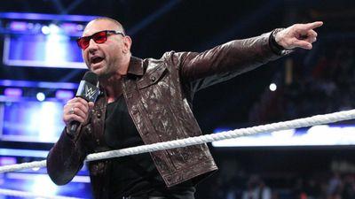 Tài tử 'Vệ binh dải ngân hà' tái xuất, thách thức giám đốc WWE