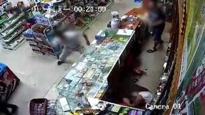 Gọi hội tới đập phá siêu thị vì nghi mua phải thuốc lá giả