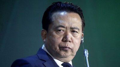 Nóng nhất hôm nay: Chồng mất tích, vợ chủ tịch Interpol nói dối con bố đi công tác xa