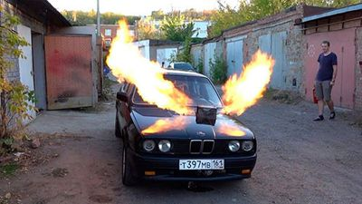 BMW E30 3 Series phun lửa nhờ động cơ phản lực MIG-23