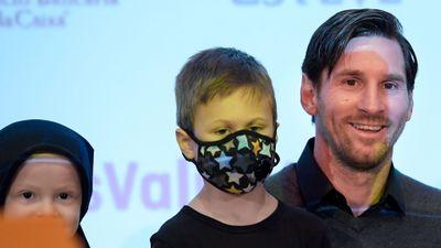 Hành động cao cả của Messi với các bệnh nhân ung thư nhí