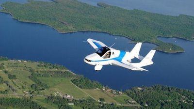 Ôtô bay Terrafugia Transition sẽ có mặt trên thị trường vào năm sau