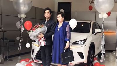 Ca sĩ Ngọc Sơn tậu xe sang Lexus NX300 giá 2,5 tỷ