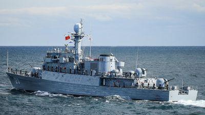 Báo Hàn Quốc: tàu săn ngầm vừa giao Việt Nam tương đương tàu mới
