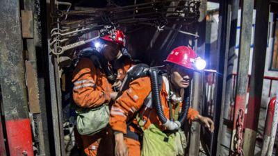 Chạy đua giải cứu 18 công nhân bị mắc kẹt dưới mỏ than Trung Quốc