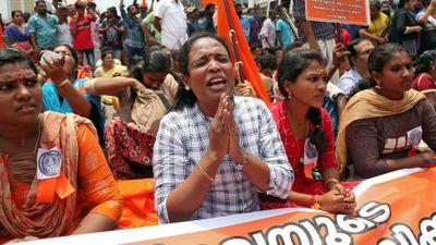 Xung đột pháp luật - tín ngưỡng: Phụ nữ Ấn Độ có được vào đền thiêng?
