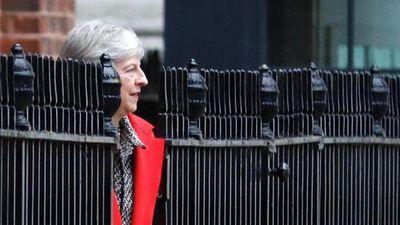 Sóng gió chính trường Anh