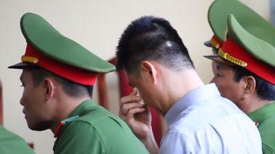 Clip: Chị họ bật khóc trước tòa, Phan Sào Nam phản ứng ra sao?