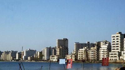 Giải mã bí ẩn về 'thị trấn ma' nổi tiếng ở Síp