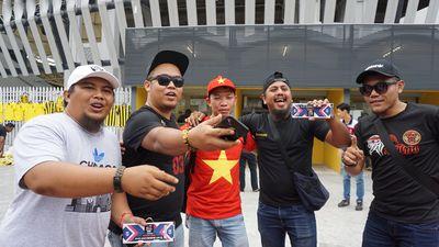Người Malaysia thong thả, CĐV Việt Nam lùng mua vé chung kết