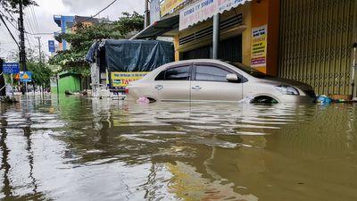 Thành phố Tam Kỳ chìm trong biển nước
