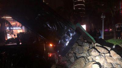 Đà Nẵng: Chở 50 khối đá 'cứu' cửa xả Mỹ An