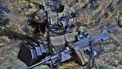 Soi sức mạnh của súng máy hạng nhẹ Heckler&Koch MG4
