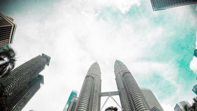 Xử lý thế nào nếu gặp nguy hiểm khi cổ vũ chung kết AFF ở Malaysia?