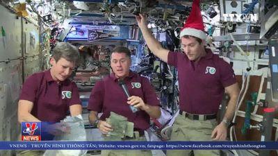 Tiệc Giáng sinh ấm áp trên trạm ISS