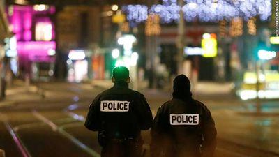 Xả súng ở chợ Giáng sinh: Pháp điều tra theo hướng vụ tấn công khủng bố