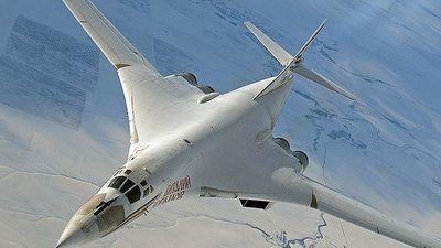 'Thiên nga trắng' Tu-160 Nga diễn tập cùng chiến đấu cơ Venezuela