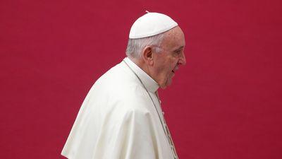 Giáo hoàng Francis giáng chức 2 hồng y vì bê bối lạm dụng tình dục