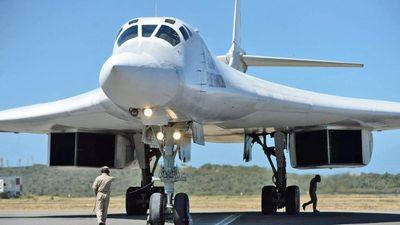 Oanh tạc cơ Tu-160 Nga có chuyến bay huấn luyện 10 tiếng với không quân Venezuela