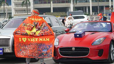 Siêu xe cả nước 'biến hình' cổ vũ tuyển Việt Nam vô địch