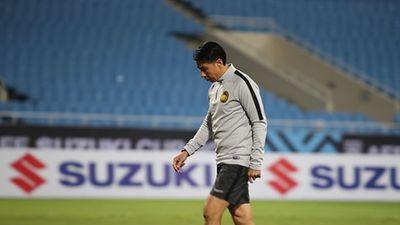 HLV Malaysia kiểm tra kỹ lưỡng mặt sân Mỹ Đình trước trận chung kết AFF Cup