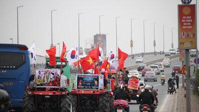 Cả nước hướng về sân Mỹ Đình chờ đợi màn trình diễn của tuyển thủ Việt Nam và Malaysia