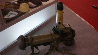 Soi hệ thống vũ khí chống tăng tầm ngắn Bumbar tiêu hủy mục tiêu