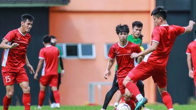 HLV Park Hang Seo triệu tập thêm 6 cầu thủ cho Asian Cup, thêm 3 sao HAGL góp mặt