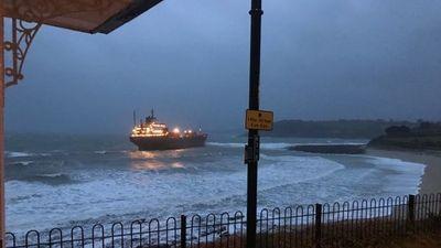 Tàu chở hàng Nga với 18 thủy thủ bất ngờ gặp nạn ở Anh