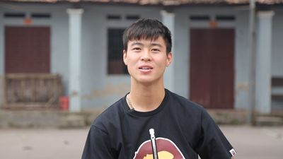 Duy Mạnh gửi lời chào độc giả Zing.vn