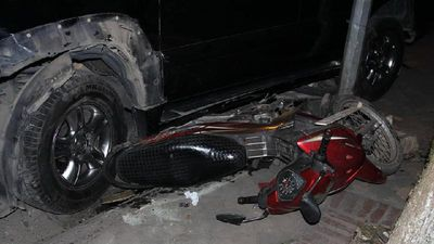 Hiện trường kinh hoàng vụ cô gái lái xe Lexus đâm liên hoàn 9 ô tô và xe máy