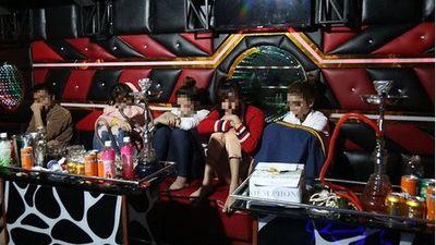 Vĩnh Phúc: Nhóm thanh niên tổ chức tiệc ma túy tại quán karaoke
