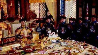 Bí mật bữa ăn cô đơn của hoàng đế trong Tử Cấm Thanh