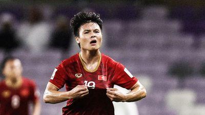 Báo châu Á so sánh Quang Hải với Lionel Messi sau siêu phẩm sút phạt